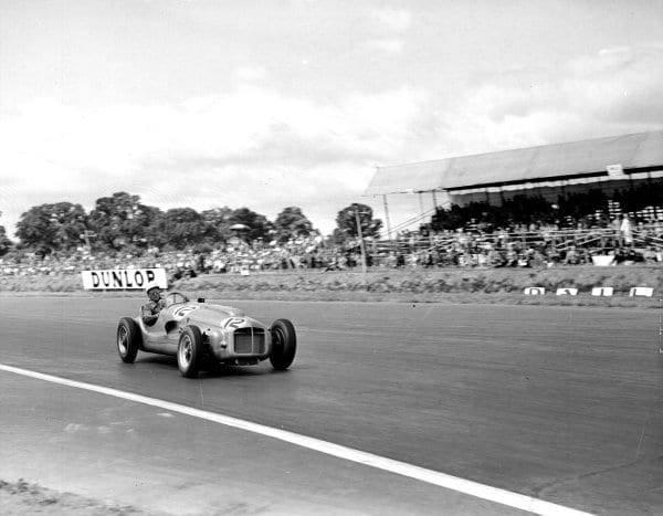 Silverstone, England. 17-19 July 1952. Stirling Moss